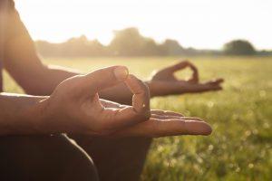 Read more about the article Rencontre avec Hélène Pourquier : Yoga et méditation  (2021)